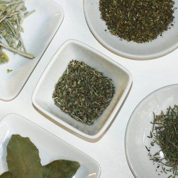 Kräuter, Tee & Salz